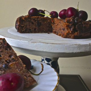 Recipe: Vegan Christmas Cake – Cherry and Pear – #vegan