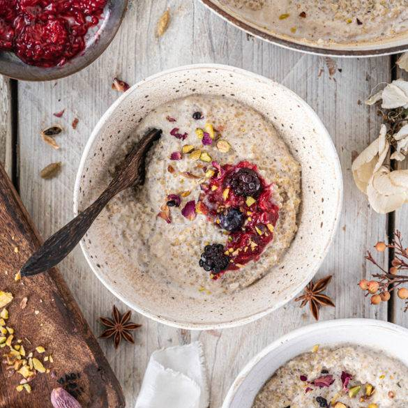 Fluffy nutty Quinoa gently simmered in almond cream with saffron strands, cardamon seeds, and Star anise to form a mouth-watering Porridge.